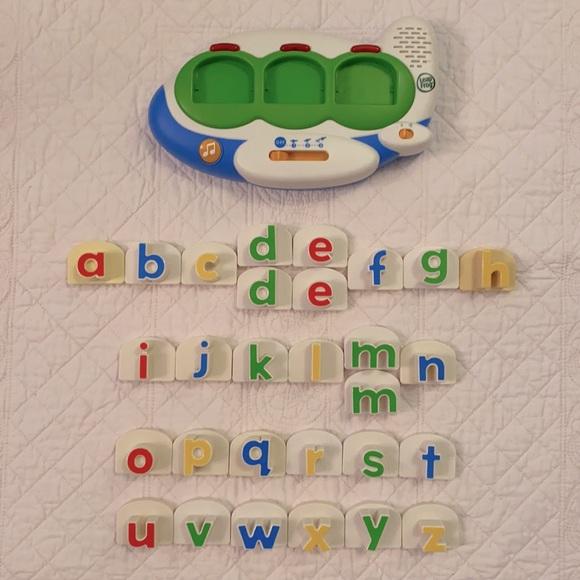 LeapFrog Fridge Words Magnetic Word Builder